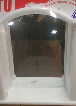 Навесной шкафчик-зеркало  с закрытыми полками в ванную