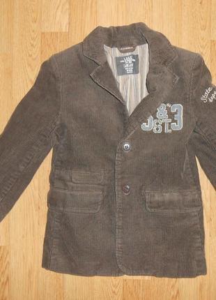 Пиджак на мальчика 5-6 лет