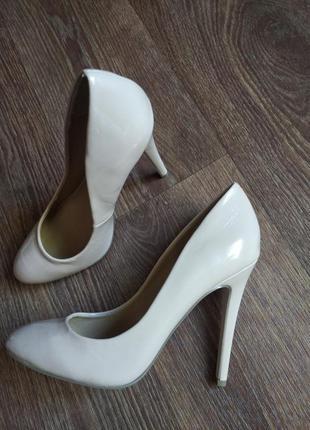 ❤️бежевые туфли asos 39 размер