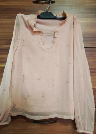 Блузка дуже ніжна .
