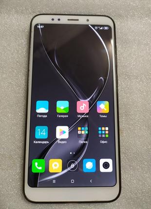 Телефон Xiaomi Redmi 5 plus 4/64 Gold