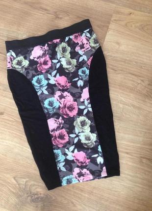 Стильная юбка в цветочный принт