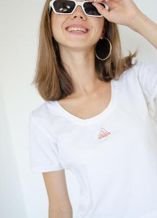 Adidas белая спортивная укороченная футболка с логотипом, спор...