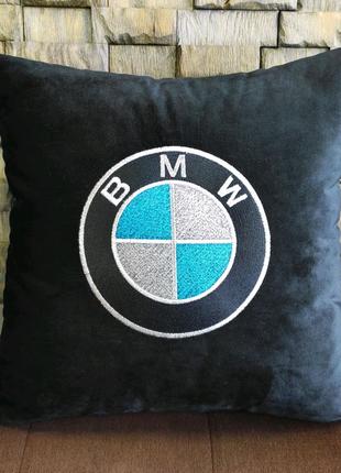 Авто подушка с вышитым логотипом BMW