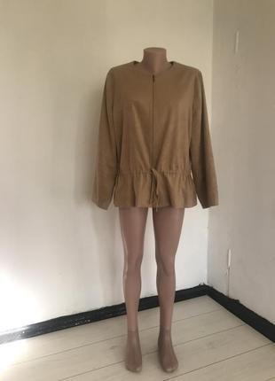 Легкая куртка пиджак под замш под пояс