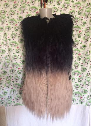 Оригинальная жилетка,лама, кожа+эко мех от бренда supertrash