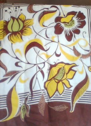 Платки женские разных расцветок