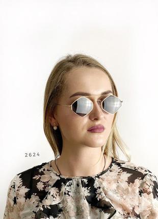Стильні чорні сонцезахисні окуляри к. 2524