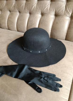 Красивая фетровая шляпа