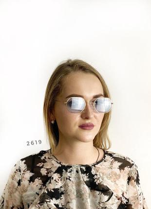 Стильні окуляри з блакитними лінзами в золотистій оправі к. 2619