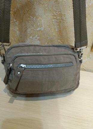 Удобная сумка на плечо или на пояс германия