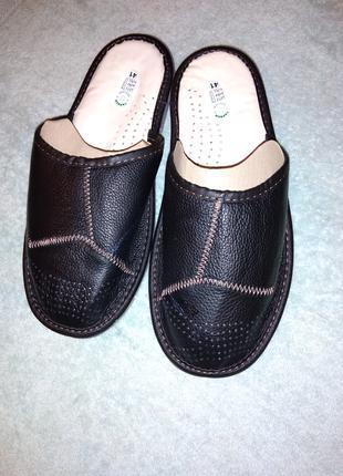 Мужские кожаные тапочки