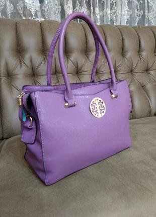 Чудесная деловая  обьемная сумка