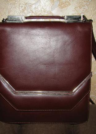 Стильная сумка на плечо  натуральная кожа