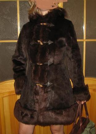 Шуба из натурального меха известного бренда KARA