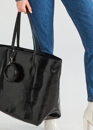 Большая лаковая сумка с кошельком reserved.  новая.