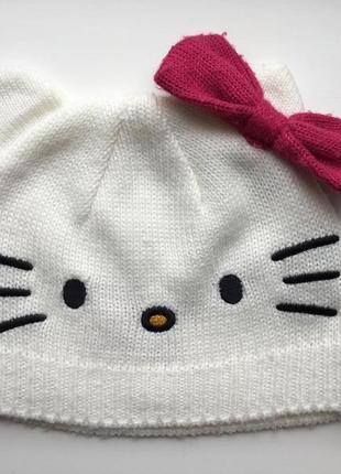 Тоненькая шапочка hello kitty на 6-18 месяцев