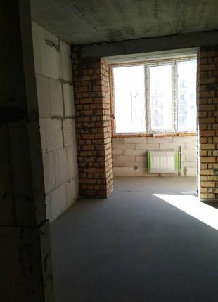 2-комнатная квартира в новом сданном доме на Грушевского.