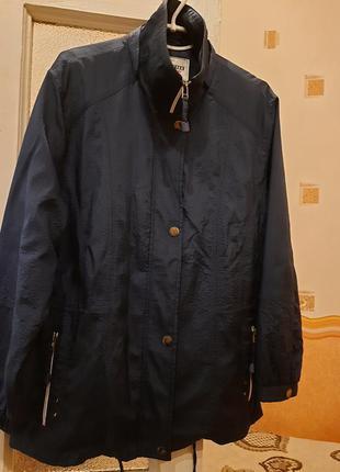 Женская весенняя куртка германия