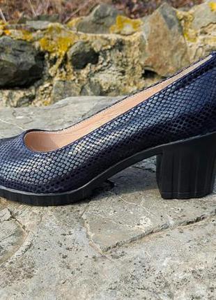 Туфли, лодочки 40 р кожа под питон