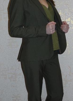 Модный брючный костюм, монохромный цвет