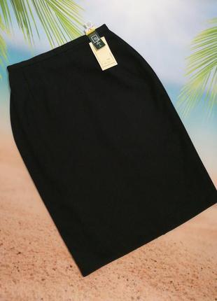 Классическая строгая черная юбка