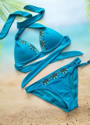 Красивущий купальник с вышивкой цвет индиго, лиф 80а