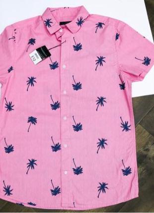 Яркая стильная розовая рубашка с коротким рукавом с пальмами peac