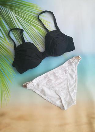 Черно-белый купальник, лиф 75в, ажурные плавки