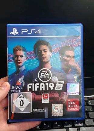 FIFA19 гра