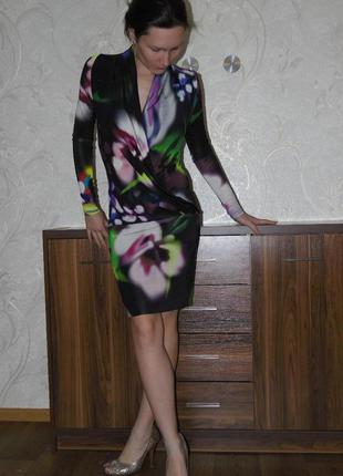 Яркое платье, большие цветы exspress