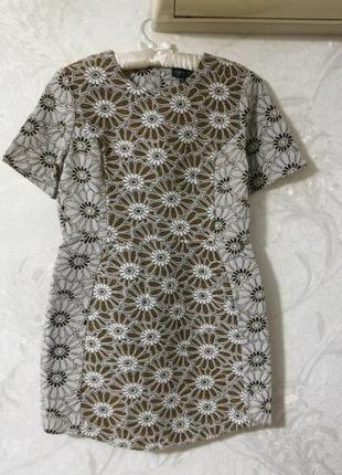 Крутое стильное платье из плотной ткани, цветочный принт