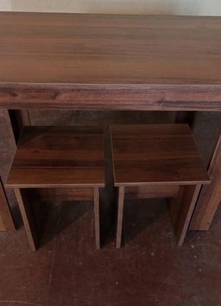 Стол кухонный  + 2 табурета