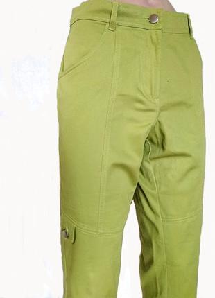Укороченные салатовые брюки
