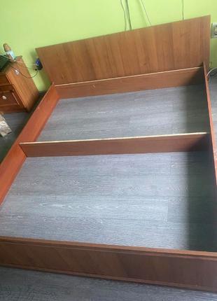 Двуспальная кровать ( двоспальне ліжко )