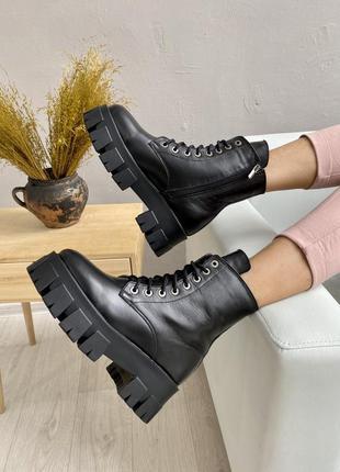 Женские ботинки кожаные зимние