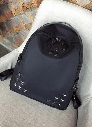 Чорний жіночий місткий рюкзак