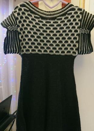 Оригинальный свитер-платье