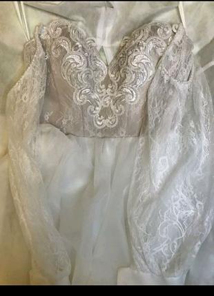 Свадебное платье с фатина