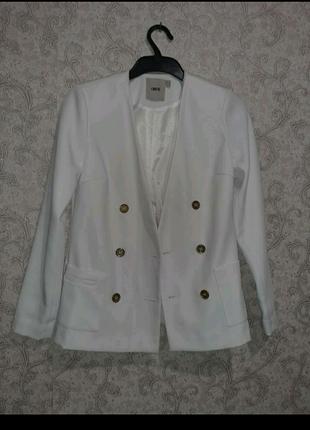 Стильный пиджак 2021г на пуговицах