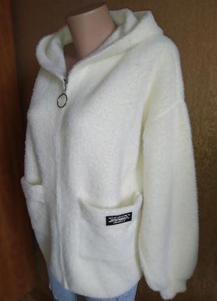 Женское пальто альпака с капюшоном