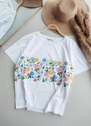 Натуральная, белоснежная футболка