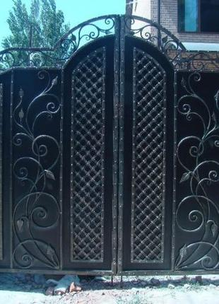 Кованные ворота.