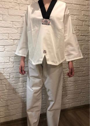 костюм для тхеквандо. Германия