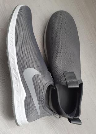 Мужские текстильные кроссовки.