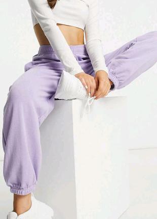 Джогеры женские лиловые. Женские штаны спортивные