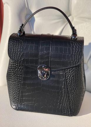 Женская кожаная сумка рюкзак италия