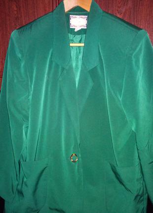Пиджак женский велюровый