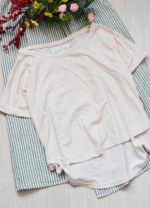 Пудровый ассиметричный топ футболка с золотистым напылением