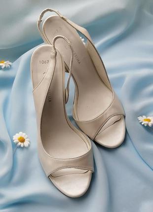 Белые кожаные босоножки loresima оригинал